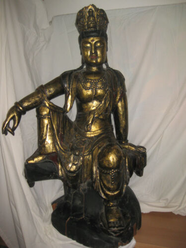 Chinese carved gilt wood seated Buddha, Qing/Ming dynasty