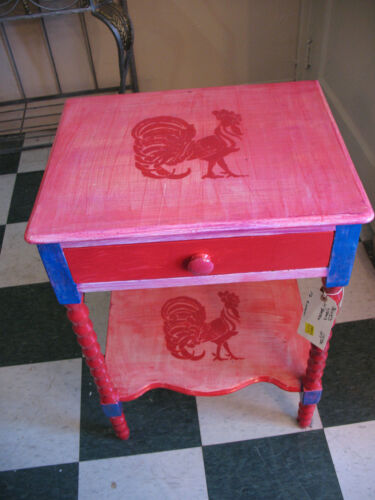 KITCHEN  STAND SIDETABLE  w/ ROOSTERS  PAINTED