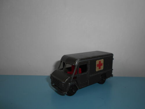 Camion commer 302 ambulance militaire EFSI