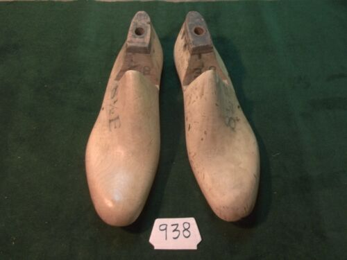 Vintage Pair1940 US NAVY Shoe Lasts Size 8-1/2 E VULCAN UNITED Factory Mold #938
