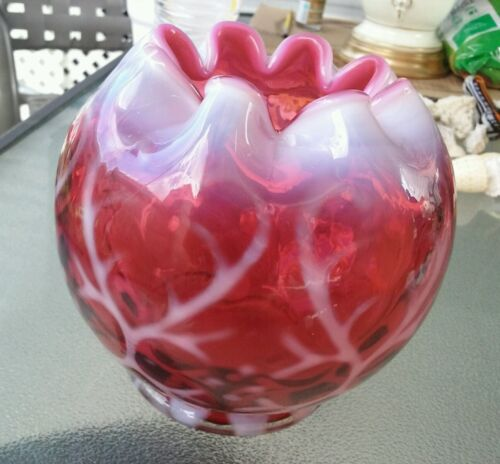 Fenton cranberry & opalescent Spanish lace pattern rose bowl