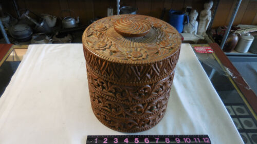 VINTAGE HAND CARVED WOODEN LID & BUCKET 9' TALL X 9' DIA.
