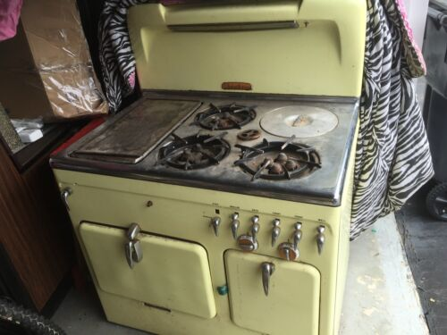 VINTAGE CHAMBERS GAS STOVE LIKE THE ONE ON  THE RACHAEL RAY SHOW