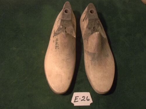 Vintage Pair Size 8 EE JV OXF CAMPUS USA Industrial Shoe Factory Lasts #E-26