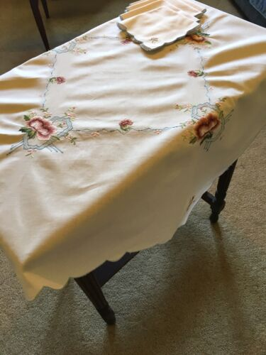 Vintage Embroidered 84cm Square White Cotton Tablecloth And 4 Napkins Table