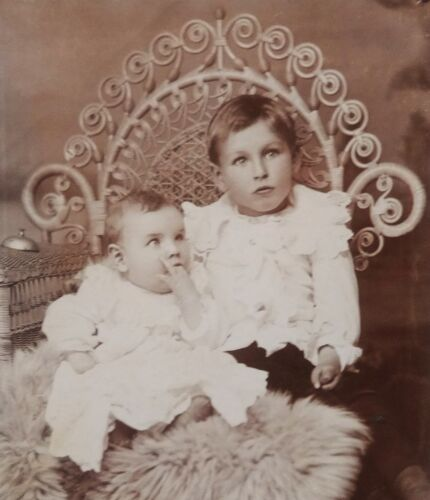 ANTIQUE 1880's CABINET  PHOTOGRAPH - BUTLER MISSOURI LITTLE BOY & BABY POSING