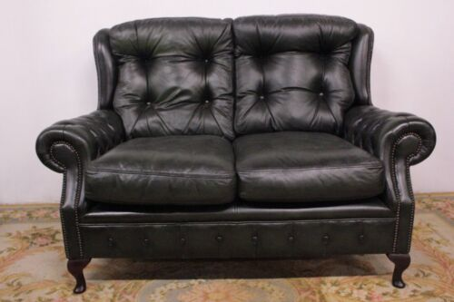 Divano chesterfield chester in pelle originale inglese 2 posti colore verde.