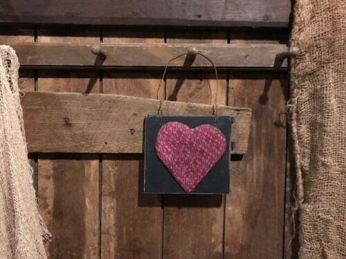 Primitive Heart Peg Hanger Grubby Old Quilt Homestead Door Keep Valentine's Day