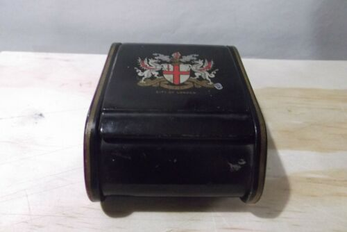 ANTIQUE METAL CIGARETTE BOX WITH PRINTED LONDON FEATURES.