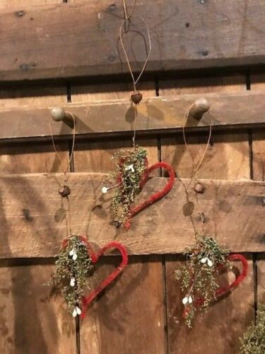 Primitive Hearts Peg Hanger Ornaments 3 Grubby Valentine's Bowl Fillers