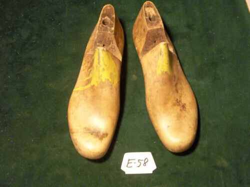 Vintage Pair Wood Size 8-1/2-5 #870 Arnold Weymouth,Mass.Shoe Factory Last #E-58