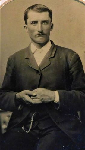 ANTIQUE 1860'S THRU 1870'S TINTYPE PHOTOGRAPH - FRAMED MAN IN SUIT
