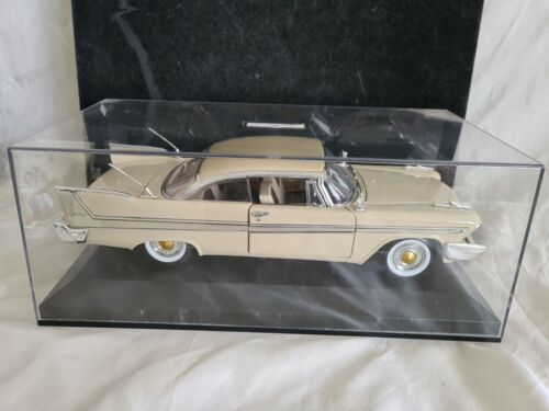 NEUF EN BOITE VITRINE COLLECTION VOITURE 1/18 EME PLYMOUTH FURY 1958 MOTORMAX