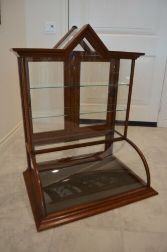 VINTAGE OAK DISPLAY CASE SHOWCASE CABINET BEAUTIFUL WILL DELIVER TO SHIPPER!