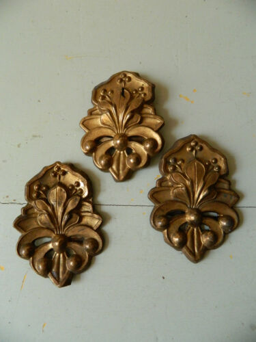 ❀VICTORIAN LOT OF 3 EMBOSSED DECORATIVE ELEMENTS FURNITURE  WALL LEAF & BERRIES