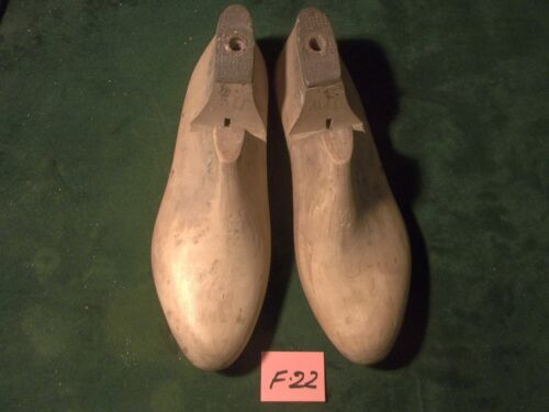 VINTAGE PAIR Size 11 W  #100 Industrial Shoe Factory Lasts Molds ~ #F-22