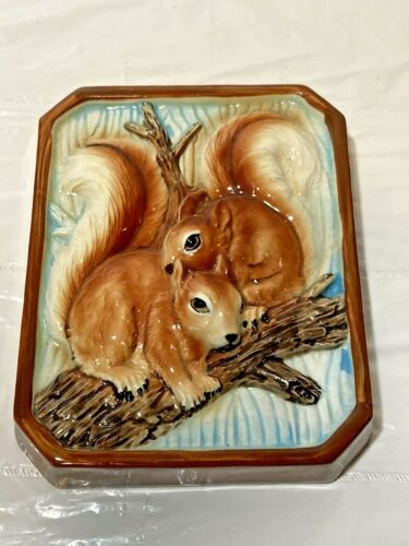 """Vtg 3D Molded SQUIRREL Ceramic Wall Art Hanging Plaque Country Store Japan 6"""""""