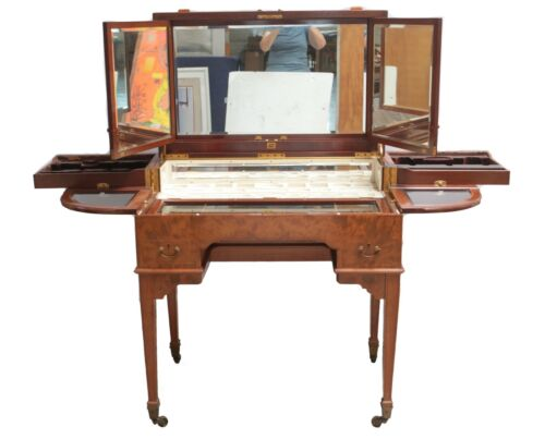George Betjemann & Sons Poudreuse / Fold Out Dressing Table Late 19-20th Century