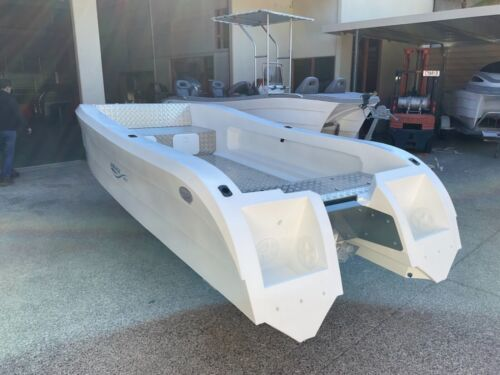 BOAT 4.8 m Quantum Catamaran  <br/> 100% Australian Made   - ideal for Fishing and Family
