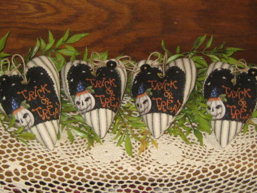 Country Halloween Decor 4 Hearts Wreath Accents Bowl Fillers  Appliqued Handmade