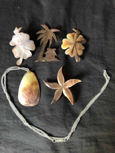 Lot of 5 Vintage Mother of Pearl Carved Shell Brooches & Pendant