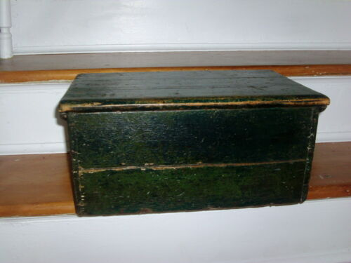 Antique 19th century American Federal Paint Decorated Wood Fancy Box 1820