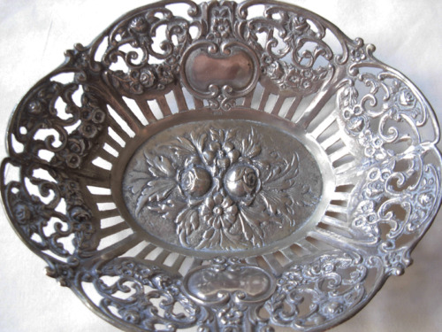 ANTIQUE GERMAN 800 SILVER OPEN WORK BASKET WITH RAISED FLOWERS --94 GRAMS