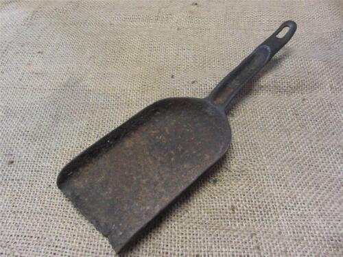 Vintage Cast Iron Coal Shovel > Antique Old Train Fireplace Rustic Shovels 8452