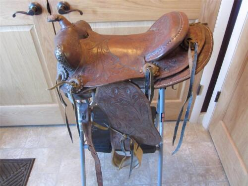 Vintage Ornate Leather Saddle > Gear Antique Horse Pony Bit Child's 8667