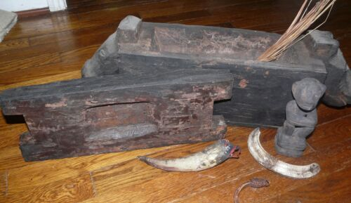 IFUGAO SHAMAN BOX WITH IMPLEMENTS- PHILIPPINES