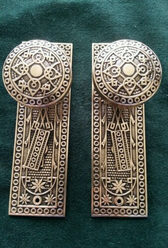 SET OF ANTIQUE BRASS VICTORIAN DOOR KNOBS AND PLATES POLISHED AND READY TO USE