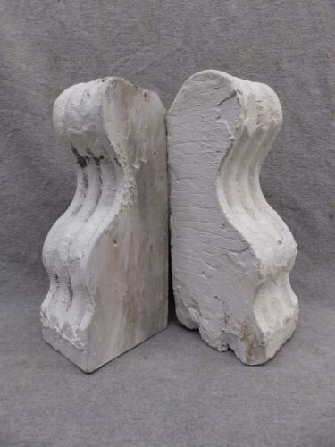 Antique Small Pair Wood Corbels Shabby Cottage Chic Gingerbread Vintage 310-17R
