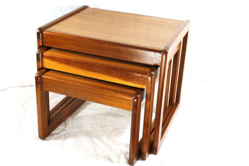 set of 3 MCM Nesting Tables Mid Century Modern Tables - Set of 3 (499)