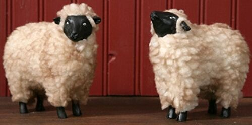 New Primitive Country Folk Art Set  2  WOOLY RESIN SHEEP Figurine Shelf Sitter