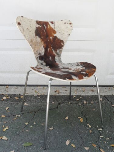 VINTAGE 1976 FRITZ HANSEN SERIES 7 CHAIR w/ COW HIDE