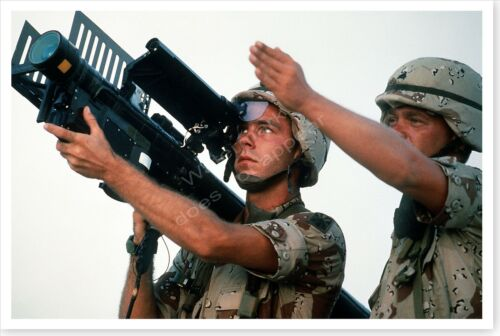 Soldier Aims FIM-92A Stinger Portable Missile Operation Desert Shield 8x12 PhotoReproductions - 156449