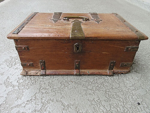 COLLECTIBLE SPANISH ANTIQUE, 1700-1800s TEAK WOOD STRONG BOX wLOCK NO KEY