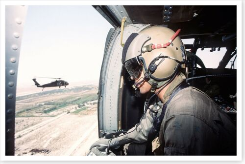 UH-60 Black Hawk Helicopter Crew Chief Operation Desert Shield 8 x 12 PhotoReproductions - 156449