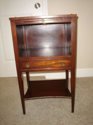 Kindel Oxford Mahogany Telephone Stand / Side Table / Night Stand Excellent