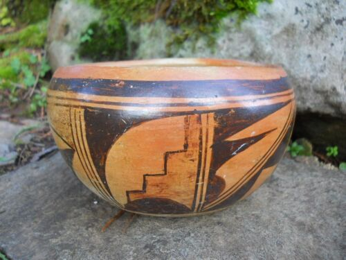 Rustic Farmhouse Primitive Tribal Pottery Southwestern Polychrome Pueblo Bowl