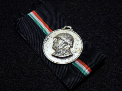 1:1 scale Italian RSI 3rd Naval Infantry medal badge 0105