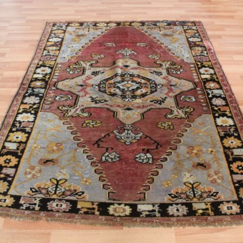 Traditional Turkoman Handwoven Kilim, Floral Rug, 4x6 feet Vintage Wool Carpet