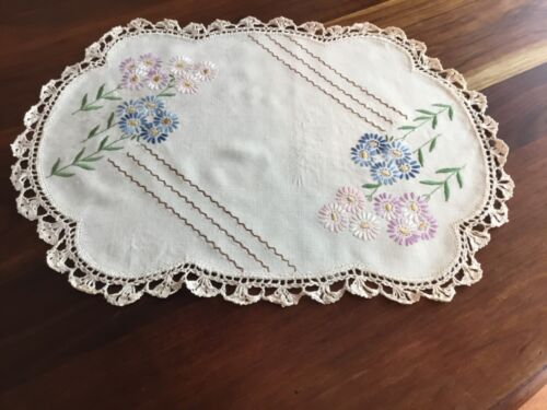 Table Centre / Centerpiece Doily Hand Embroidered Floral Vintage Linen
