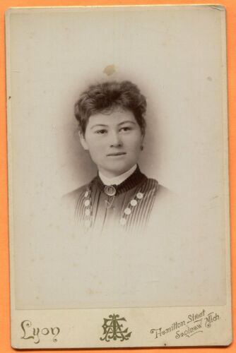 Saginaw, MI, Portrait of a Young Woman, by Lyon, circa 1890