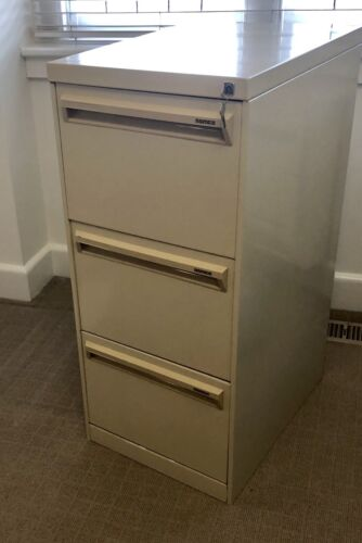 NAMCO 4 Drawer Filing Cabinet Lockable