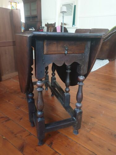 Antique Georgian Oak Gate Leg Table