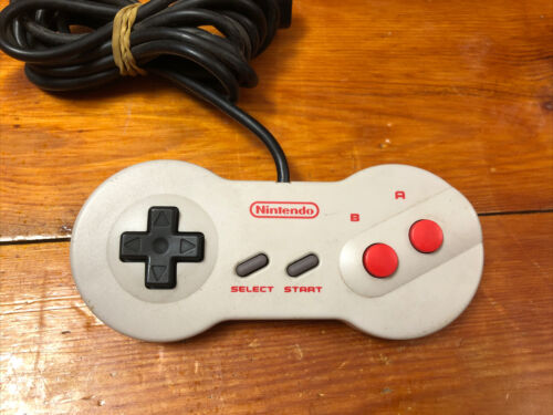 315 Genuine Nintendo NES Dogbone Controller NES-039 Top Loader 1993 + free post