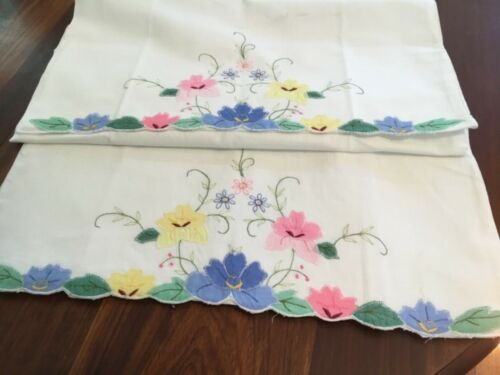 Vintage Pair Applique Pillowcases Unused