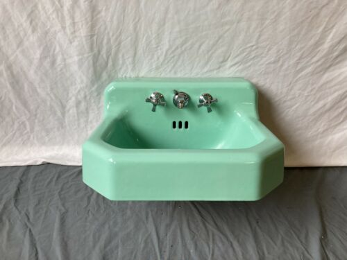 Vtg Mid Century Jadeite Green Porcelain Cast Iron Shelf Back Sink Bath 699-20E