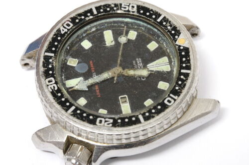 Seiko Medium Diver 4205-0152 automatic watch for repairs or for parts     -11300